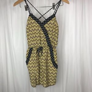 Xhilaration Cross Back Romper with Pockets! Size S